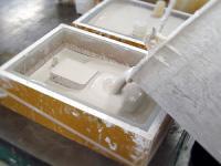 石膏を二次型に流し込み